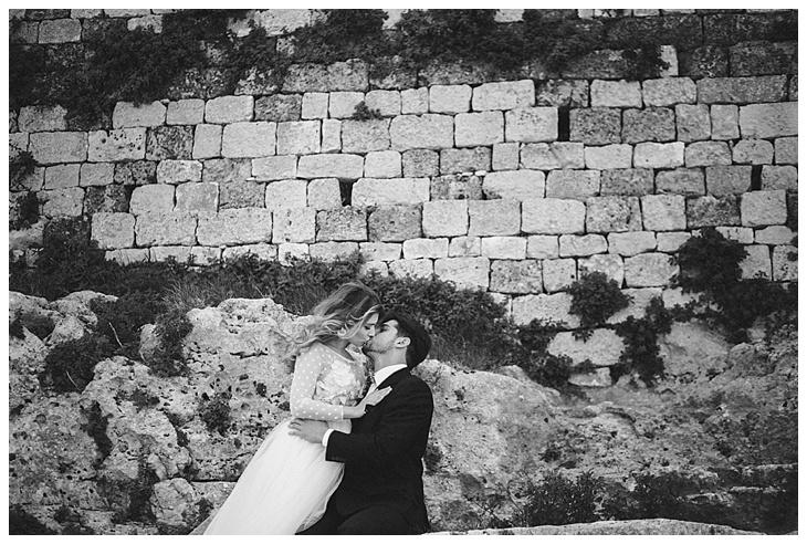 Weddingphotographer-Puglia-Ostuni-Italy-Masseria-Montenapoleone-LeentjelovesLight_0011.jpg