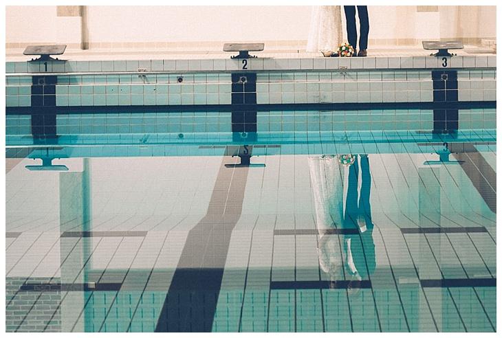 weddingshoot-Leuven-swimming-pool-heverlee_0006