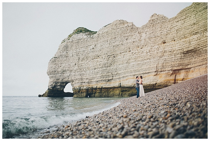 verlovingsshoot-engagement-etretat-normandy-france-tinneke-kevin_0021