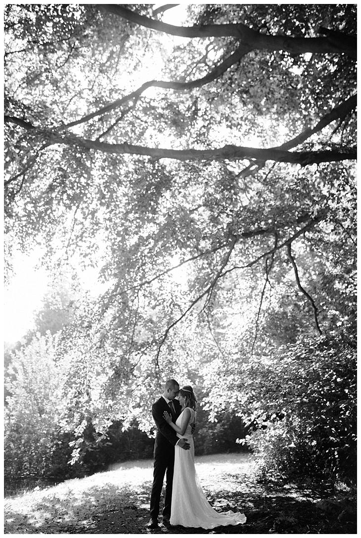 Serena-Koen-bohemian-wedding-gent-blanc-fixe_0033