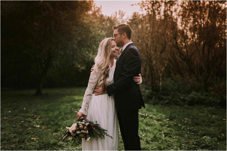 autumn wedding couple shoot